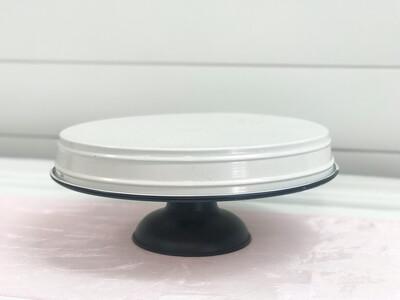 White and Black Cake Stand