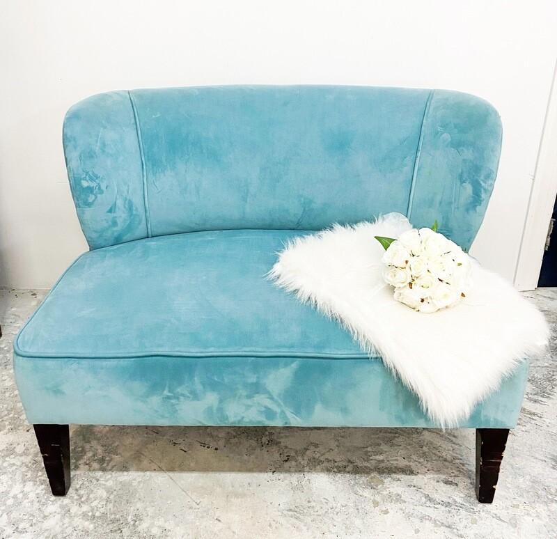 Elsa- Light Blue Settee