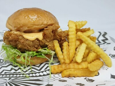 O.G CHICKEN SANDO W FRIES