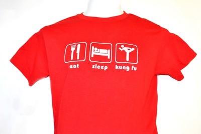 Playera eat sleep kung fu roja.