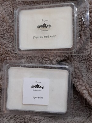 Clamshell soy wax melts