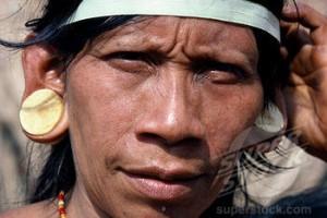 lobe d'oreille jusqu'aux epaules Incas