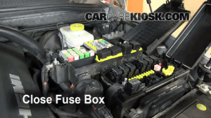 Replace a Fuse: 20062010 Jeep Commander  2008 Jeep Commander Limited 57L V8