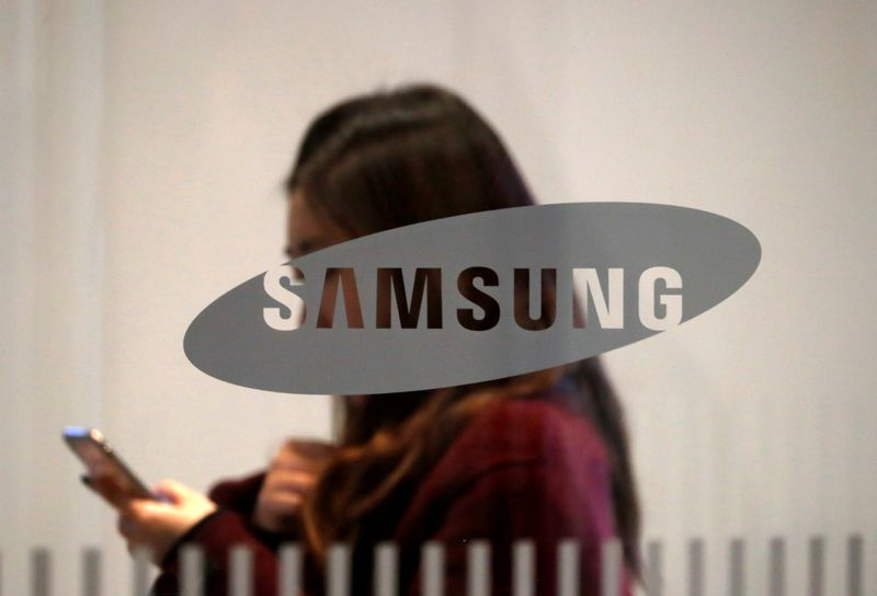 Samsung unveils compact foldable cellphone, 5G Galaxy S to fend off Apple, Huawei