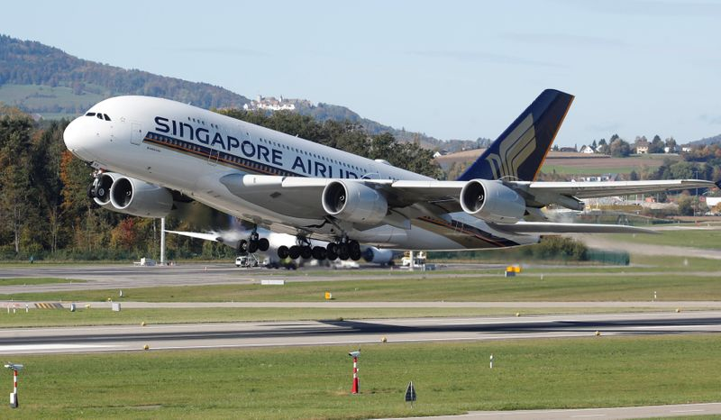 Singapore Airlines taps investors for up to $10.5 billion amid coronavirus shock