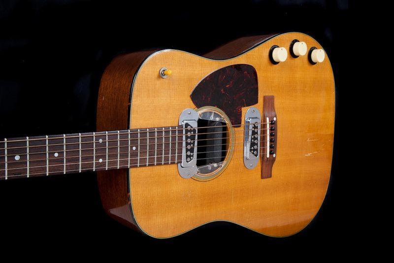 Kurt Cobain's 'Unplugged' guitar has $1 million auction estimate
