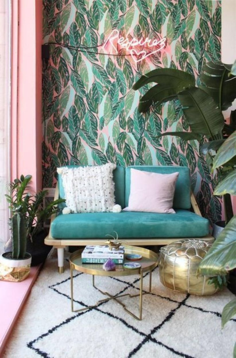 Wall decorating with foliage accents