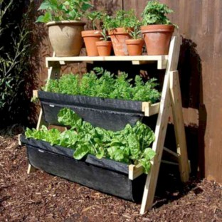 Gorgeous diy ladder-style herb garden 03