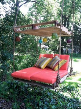 Best diy projects with pallet for your garden 34