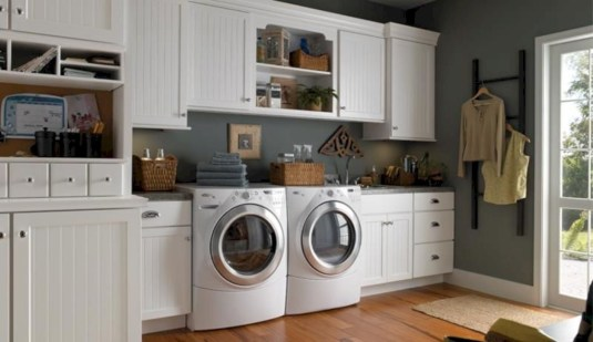 Beautiful and functional small laundry room design ideas 26