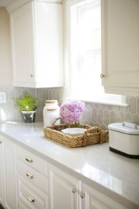 Inventive kitchen countertop organizing ideas to keep it neat 34