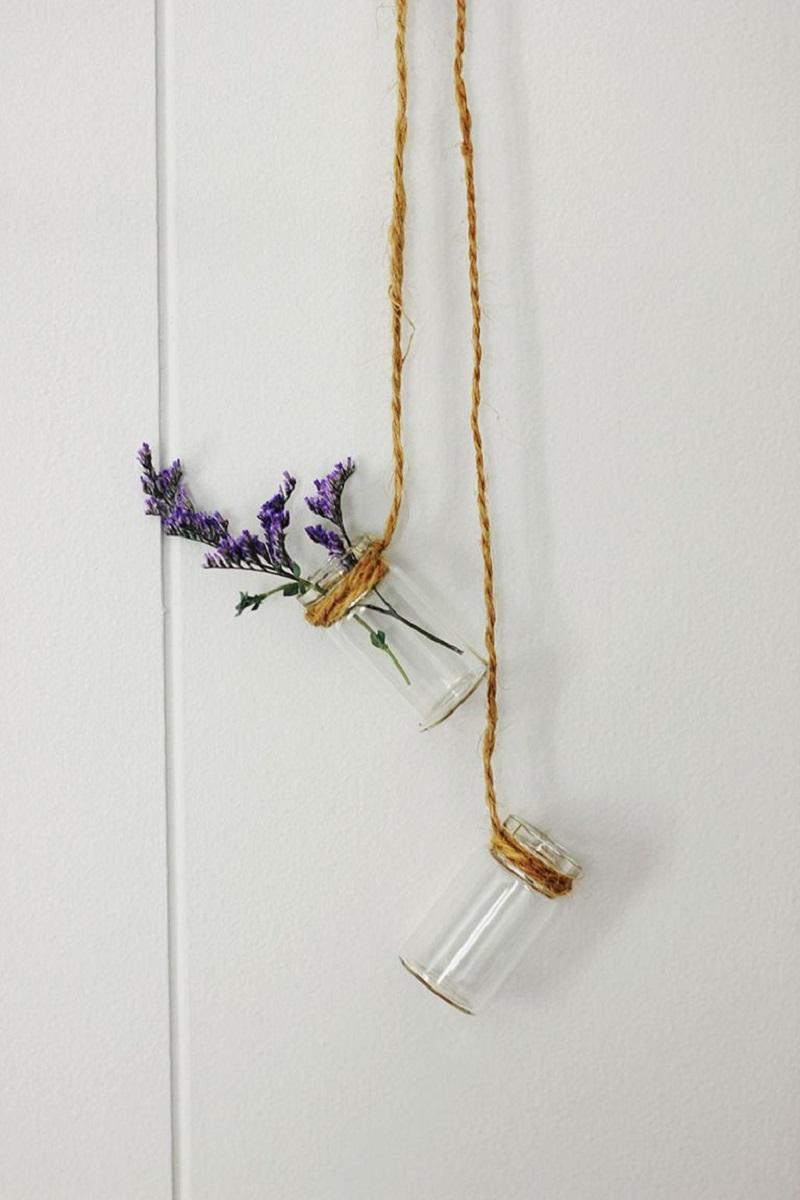 Enchanting hanging vases