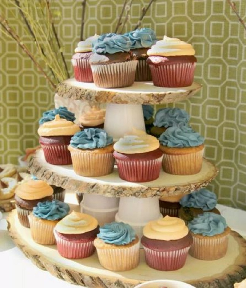 Cupcake stand from wood