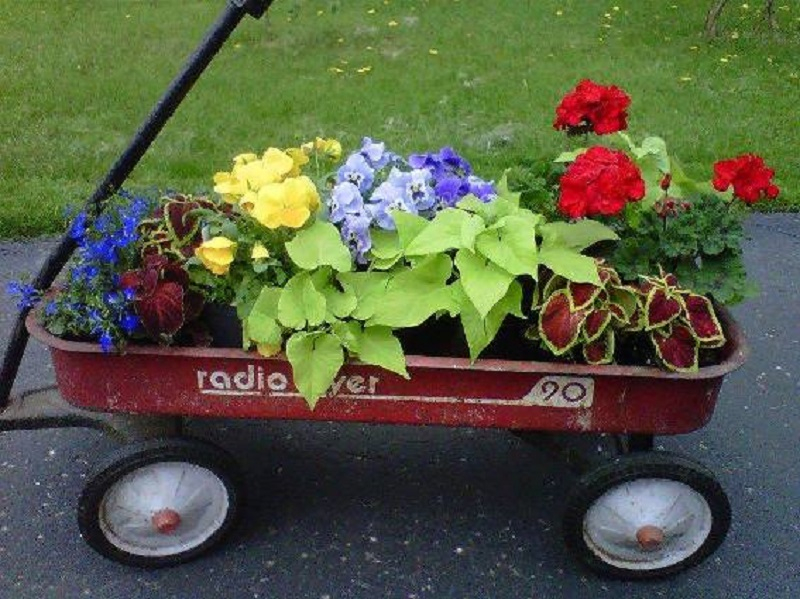 Cute radio flyer planters