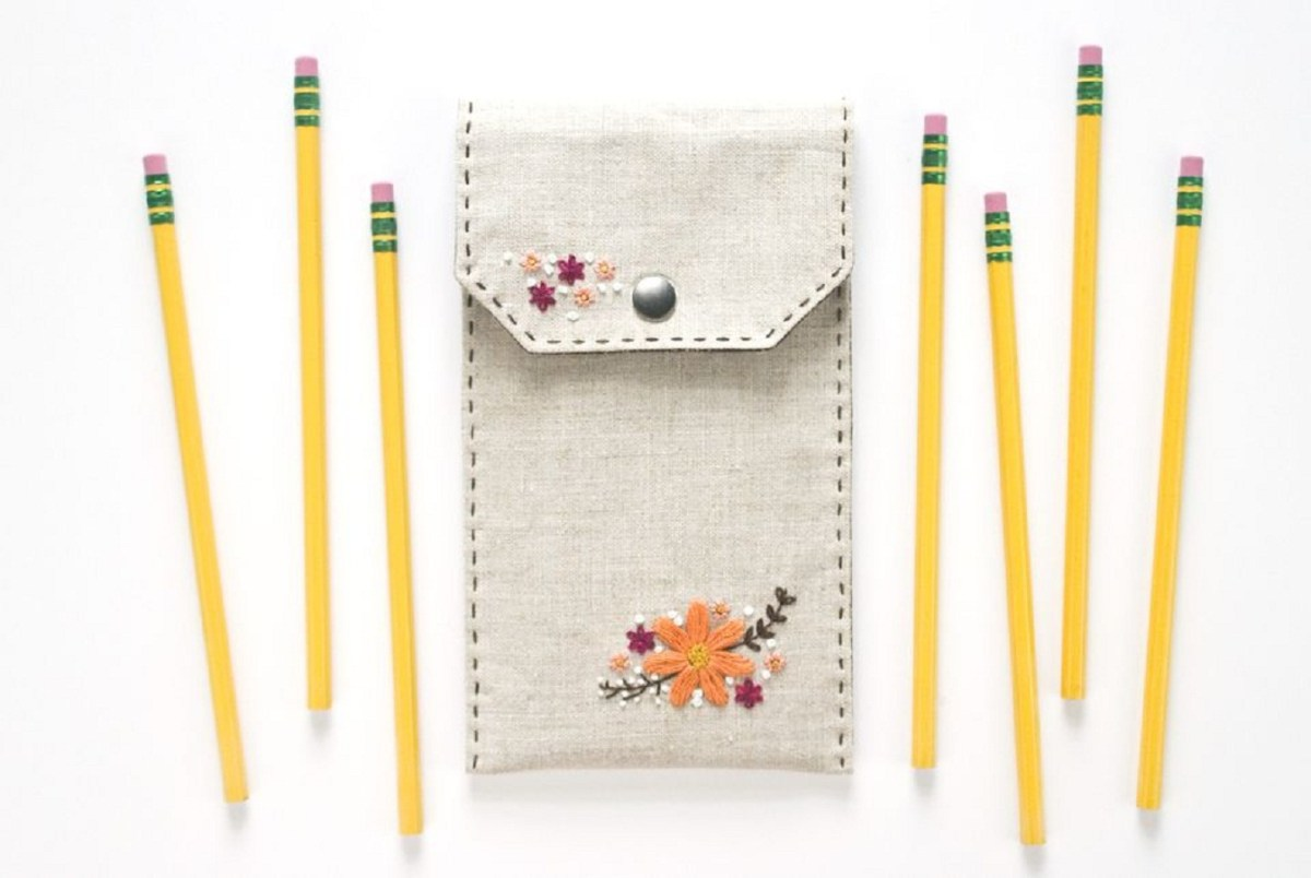 Diy embroidered floral pencil case DIY Stylish Pencil Cases Ideas To Elevate Your Kids Style On School
