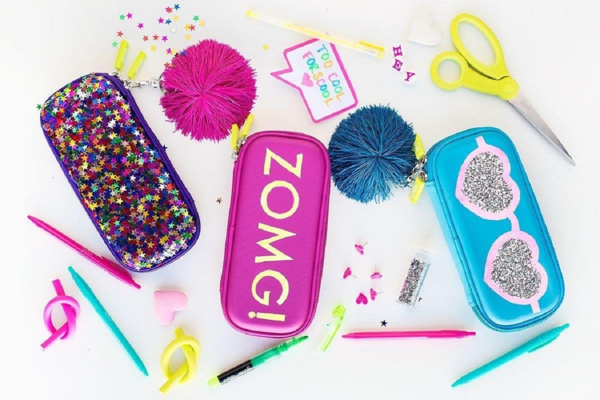Diy glitter graphic pencil cases DIY Stylish Pencil Cases Ideas To Elevate Your Kids Style On School