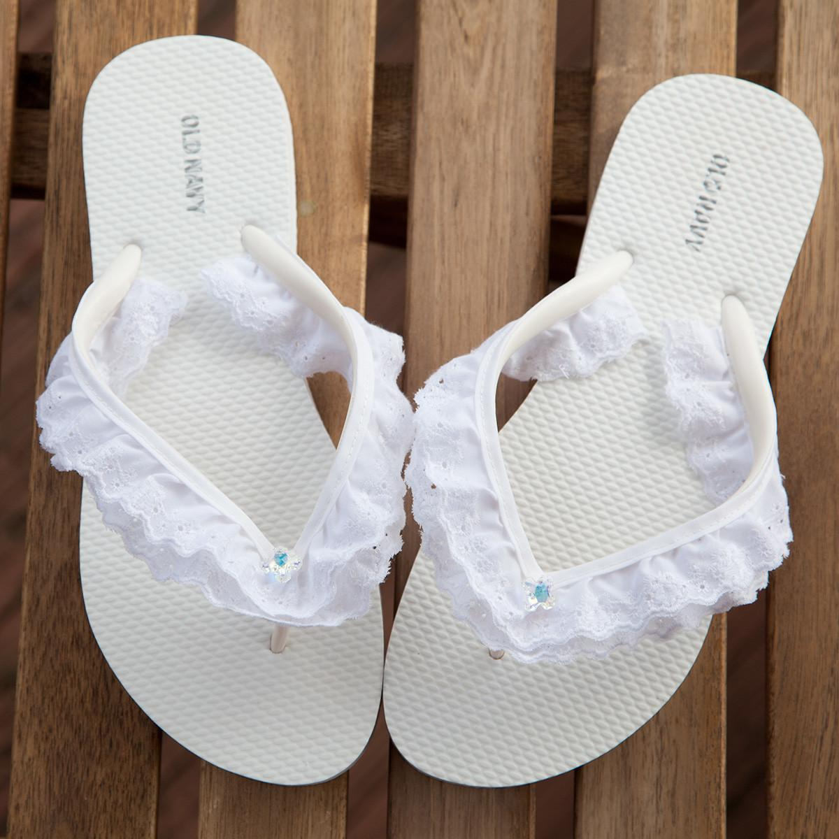 Eyelet lace flip flop DIY Picturesque Flip Flops Ideas That Are Great For Indoor Or Beach Day