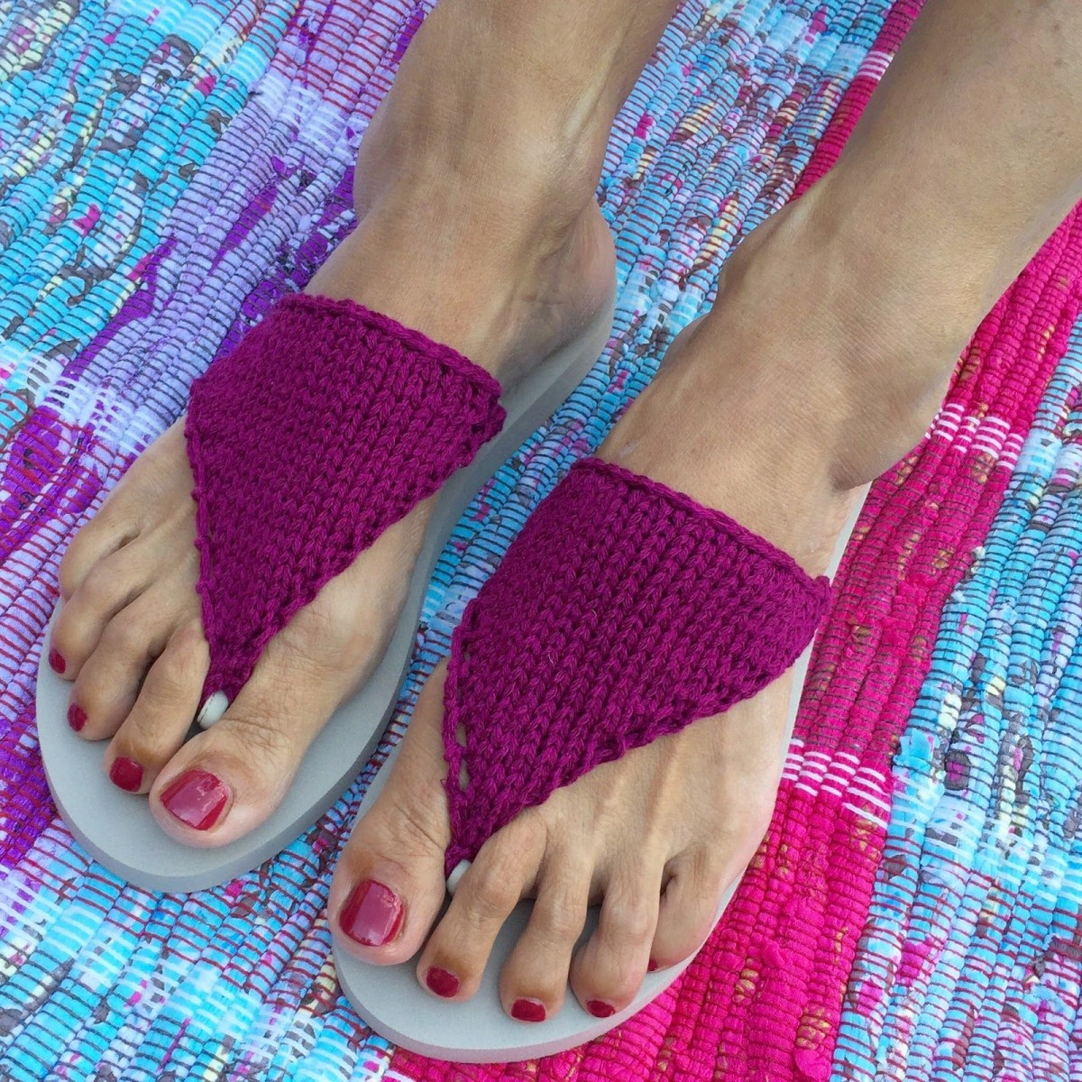 Knitted flip flop DIY Picturesque Flip Flops Ideas That Are Great For Indoor Or Beach Day