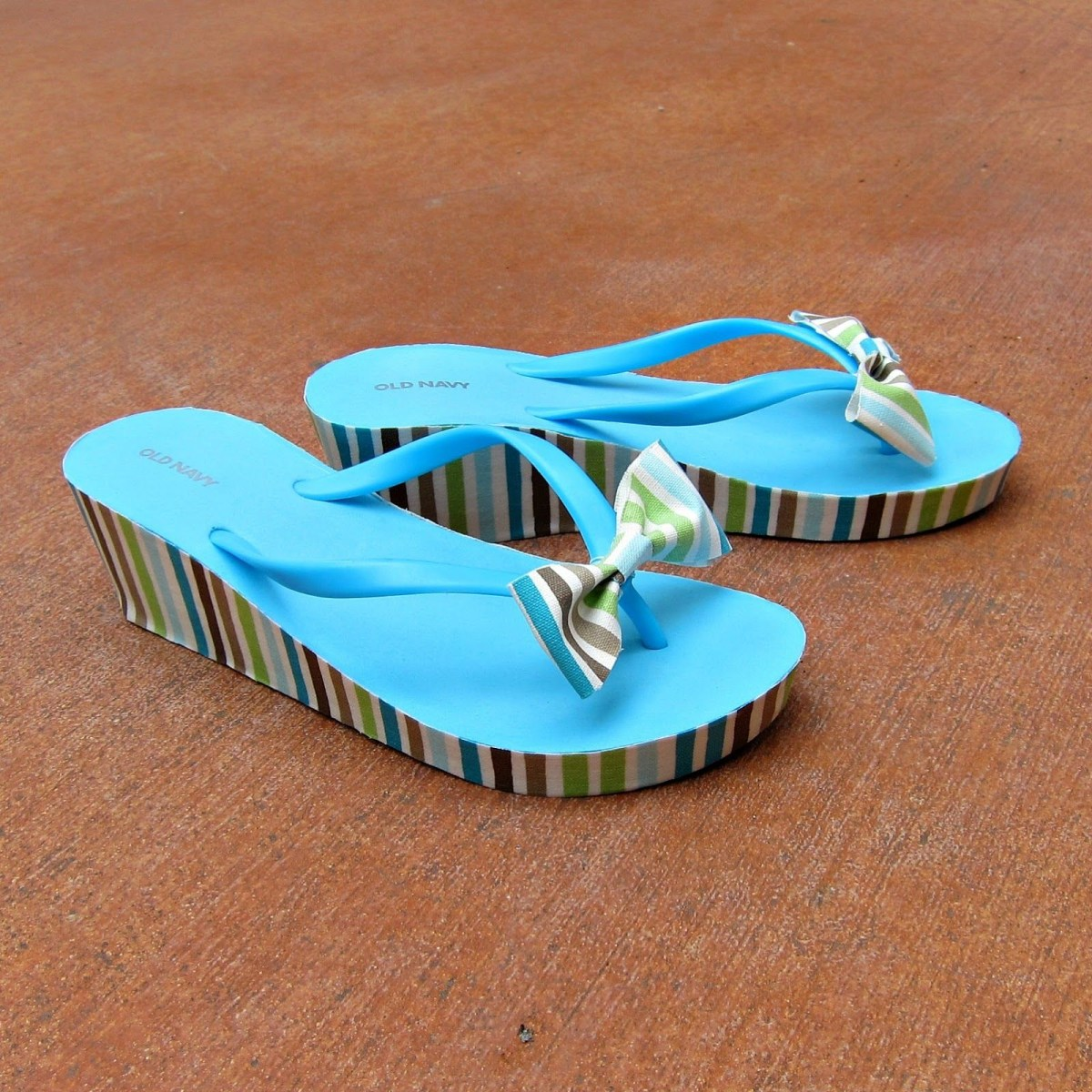 Mod podge soled flip flops DIY Picturesque Flip Flops Ideas That Are Great For Indoor Or Beach Day