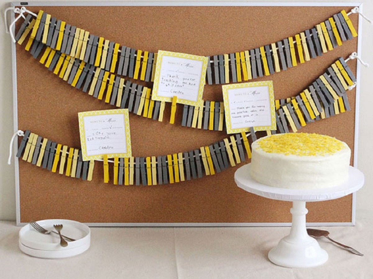 Wood clothespins card holder and backdrop Unconventional DIY Craft Ideas You Can Do With Wood Clothespins