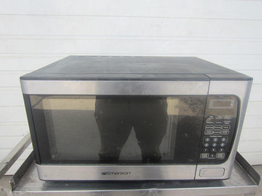 emerson microwave model mw 933 9573 14 x19 x11