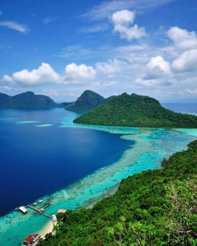 Bohey dulang in Tun Sakaran Marine Park tropical islands Semporna, Sabah Borneo Malaysia. Bohey dulang is an ancient volcano located in Borneo island. The surrounding area is famous for scuba diving and snorkeling. It is also close to Sipadan Island.