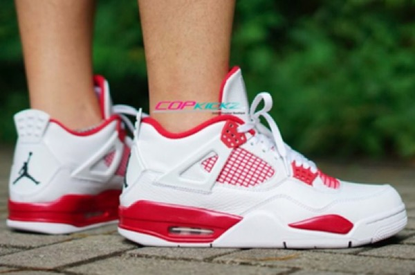 jordan-4-alternate-89-on-feet-thumbnail2