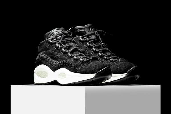 reebok-hall-of-fame-question-black-braid-1