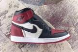 air-jordan-1-bred-toe-555088-610-03