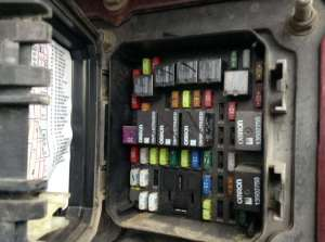 2014 Kenworth T680 Fuse Box For Sale | Spencer, IA