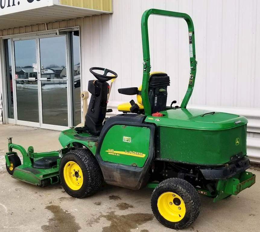2013 John Deere 1445 Riding Lawn Mower For Sale 1 828 Hours Dyersville Ia 50097 Mylittlesalesman Com