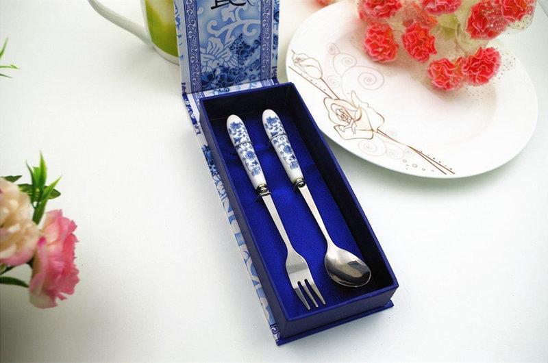 高級青花瓷兩件式餐具組-兩種顏色 - 沁琳多元創意小物 禮俗用品/活動禮/贈品《結婚吧》