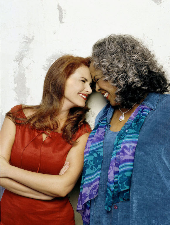 ROMA DOWNEY & DELLA REESE TOUCHED BY AN ANGEL (2001)