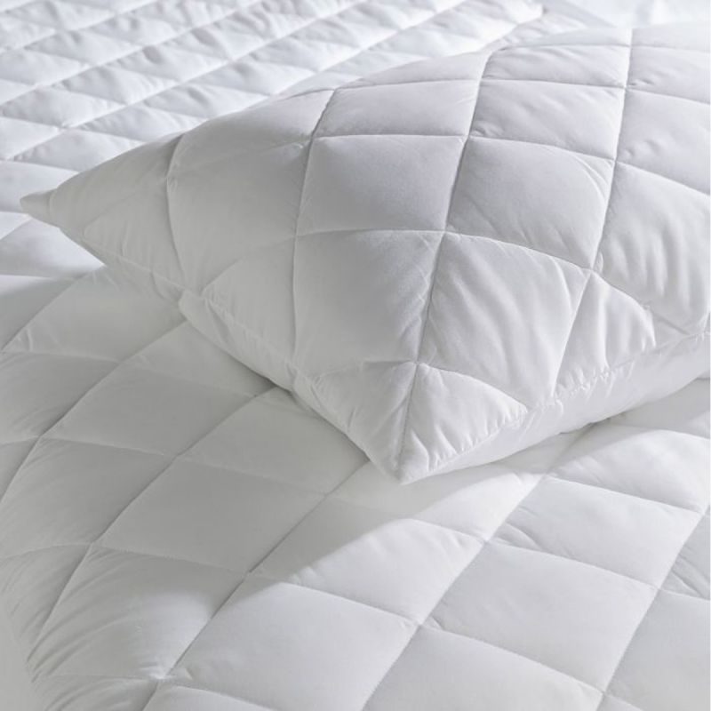 zippered closure quilted cotton pillow protector