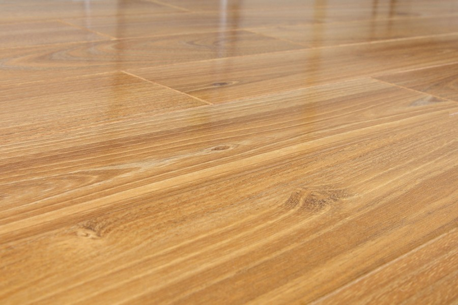 Shopping For Laminate Flooring  Factors You Should Consider Frosted Oak  Piano Finish  High Gloss Laminate Flooring