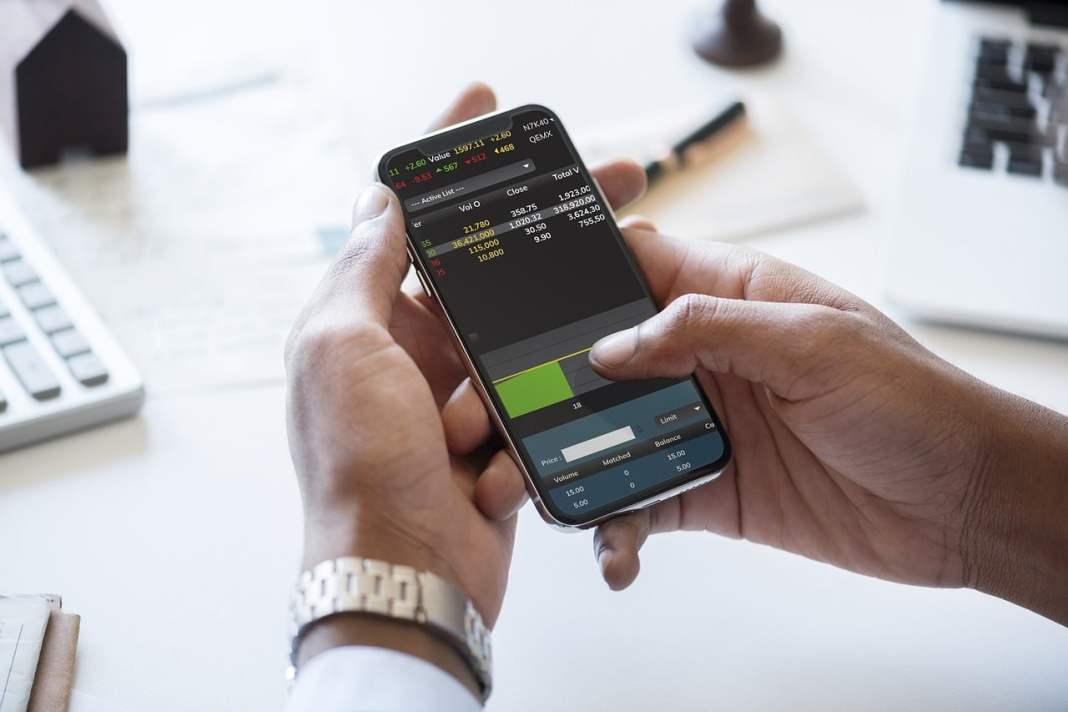 Big Data Analytics Online Stock Trading