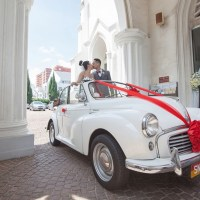 Real weddings in Singapore: Vanessa and Adriel's retro, 50's-inspired and traditional Peranakan wedding