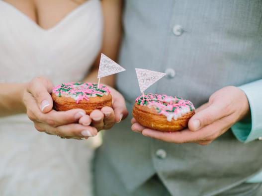 Wedding desserts in Singapore: Churros, cookies, donuts, and other unique sweet treats for dessert tables Honeybrides
