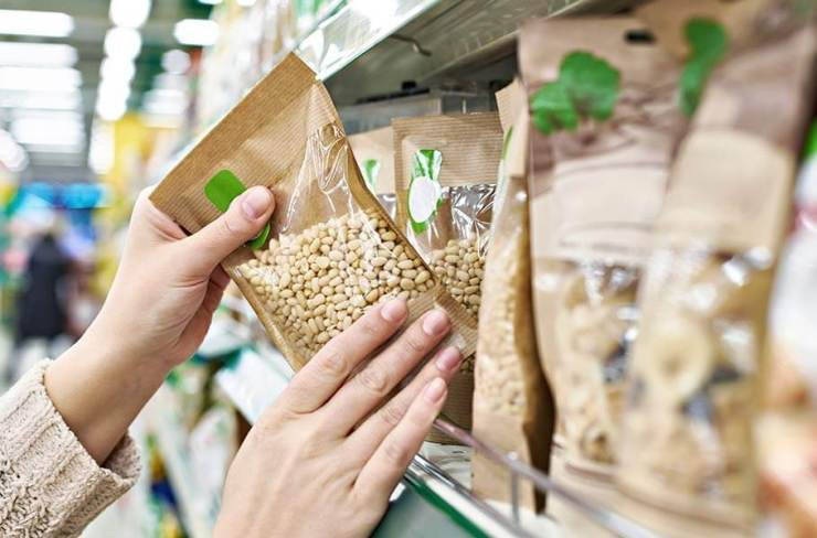 Corn, a low-calorie-food, can be bought in every supermarket