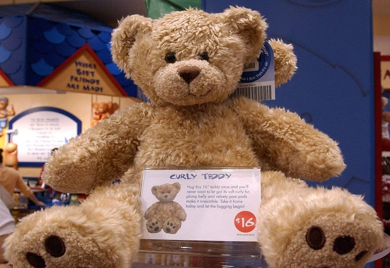 Mom Throws Birthday Party At Build A Bear But Makes The Guests Give The Bears Away Worldation
