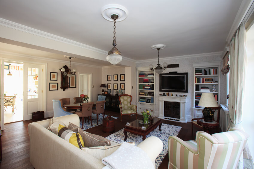 21 Riveting Living Rooms With Dark Wood Floors (PICTURES