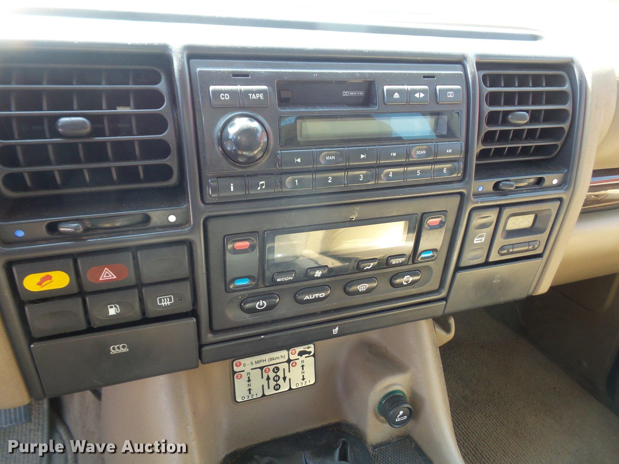 2000 Land Rover Discovery Series II SUV Item DA6308