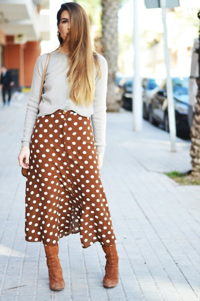 Fashionista NOW: How To Wear Boldly Patterned Midi Skirts?