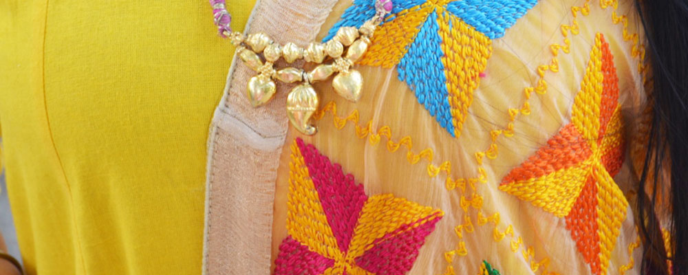 Phulkari Dupatta With Plain Suits Look For A Festive Outfit