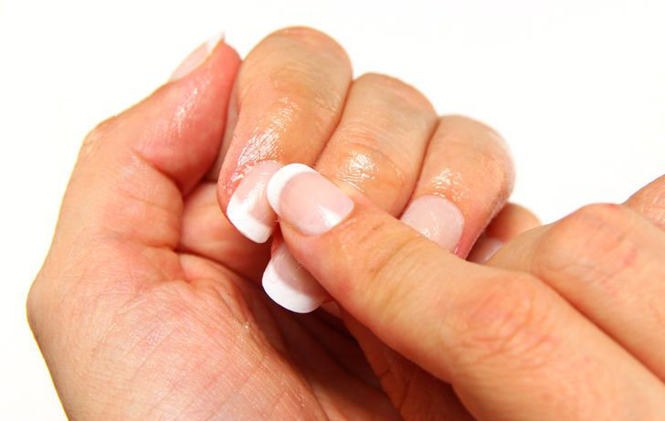 Petroleum jelly uses : Nail strengthener