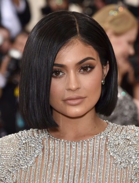 Short Haircuts For Women - Kylie Jenner
