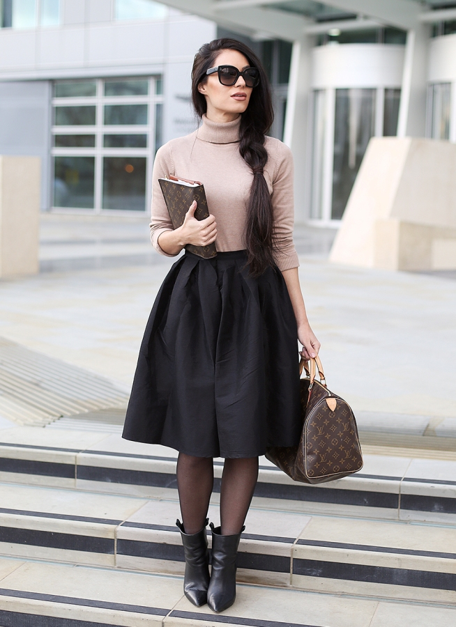 What To Wear To a Job Interview In Fashion-Midi Skirt Look