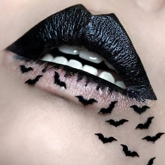 Creepy-Crawly Bat Halloween Makeup Ideas