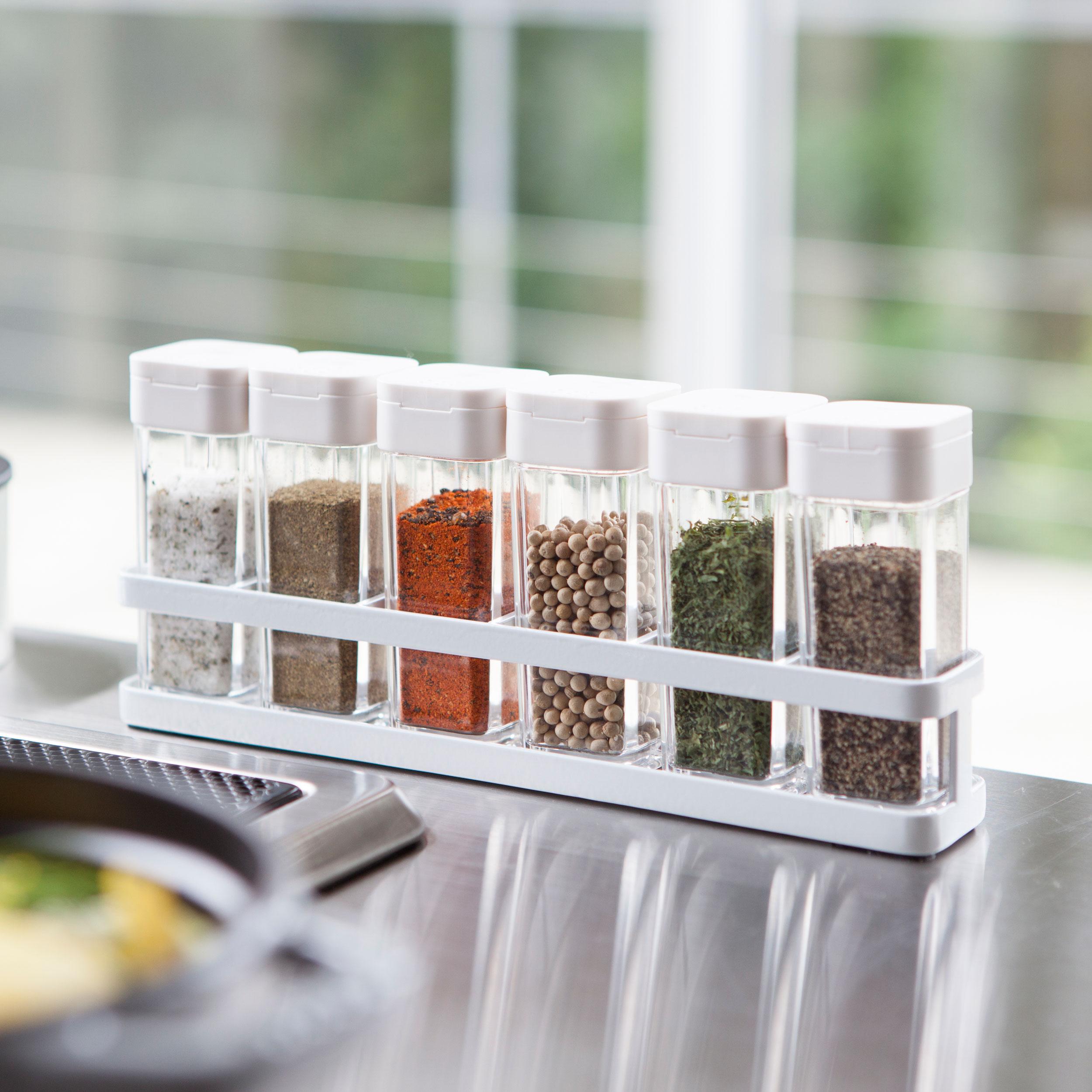 https www aplaceforeverything co uk category yamazaki product spice rack and jars tower ean ean 4903208033473