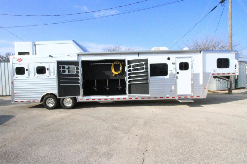 70 Best Living Quarters Horse Trailer Ideas Images On
